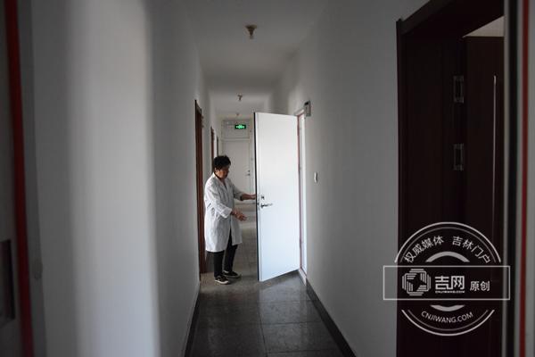 走廊一名工作人员_副本.jpg